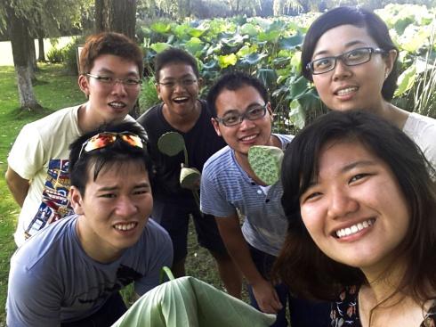 Group photo with ZJU mentor Hanlei